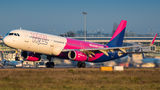 Wizz Air Airbus A321 HA-LXR at Warsaw - Frederic Chopin airport