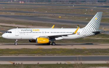 EC-MFK - Vueling Airlines Airbus A320