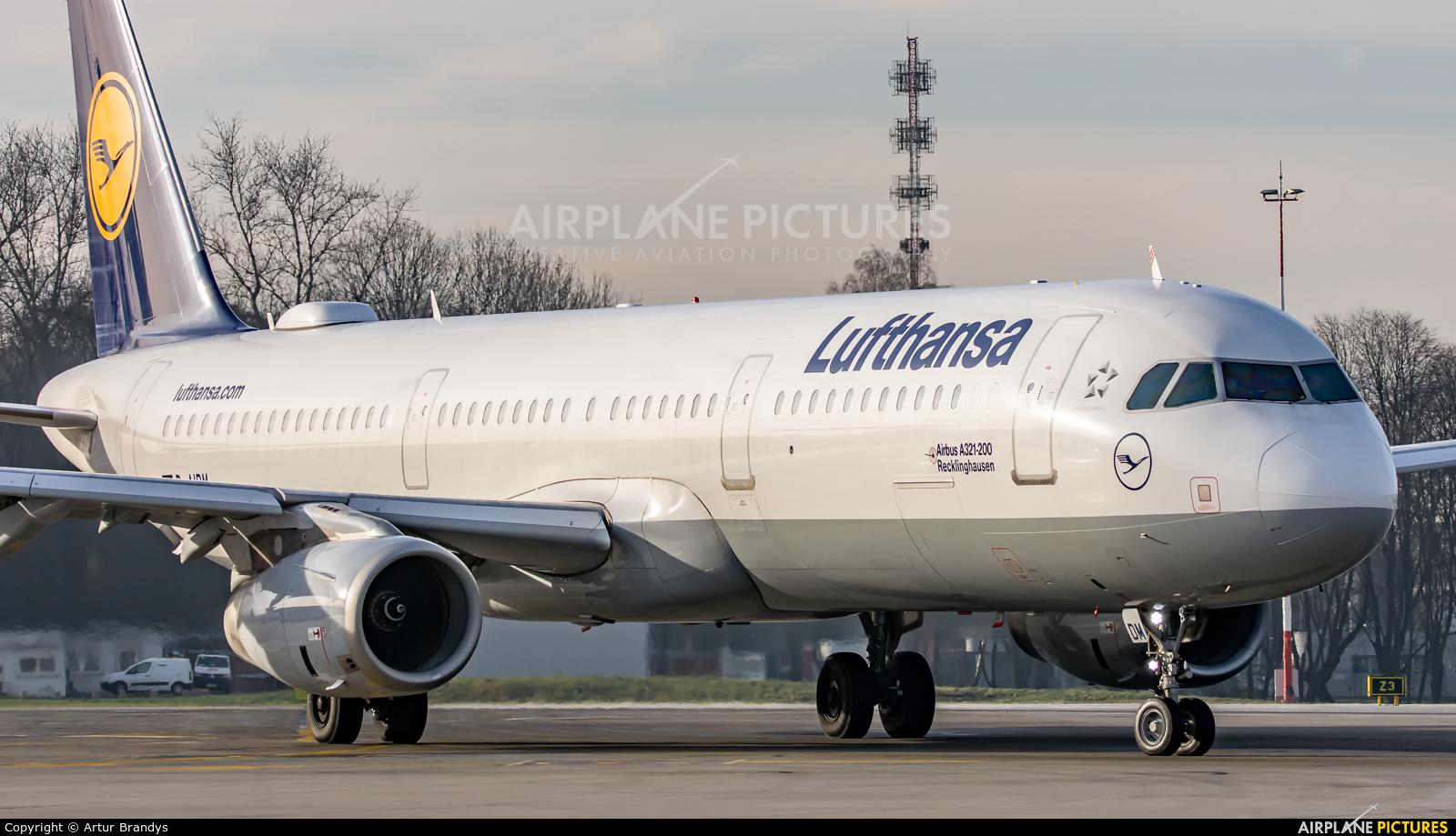 Lufthansa D-AIDM aircraft at Kraków - John Paul II Intl