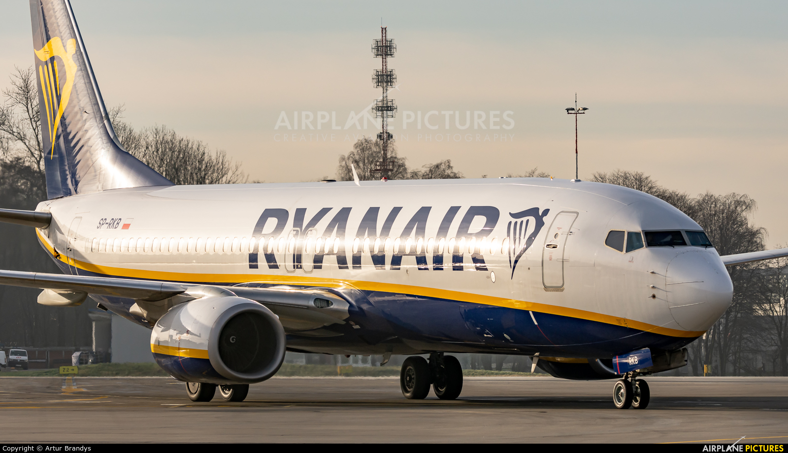 Ryanair Sun SP-RKB aircraft at Kraków - John Paul II Intl