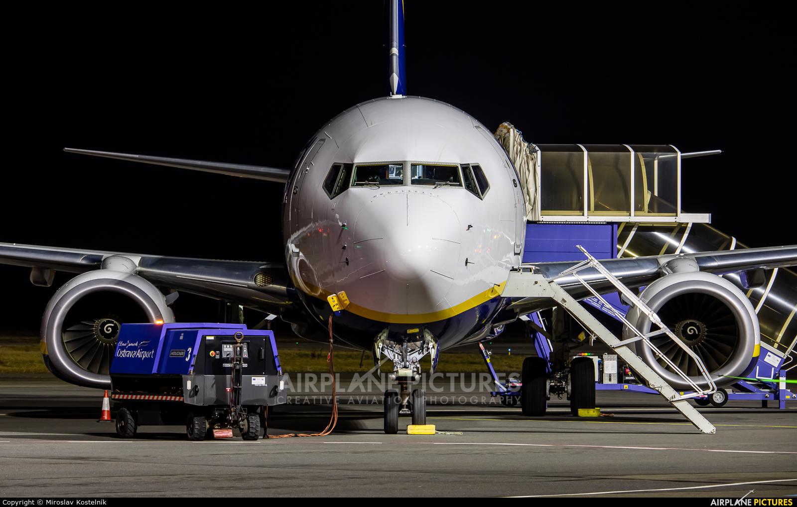 Ryanair EI-FTY aircraft at Ostrava Mošnov