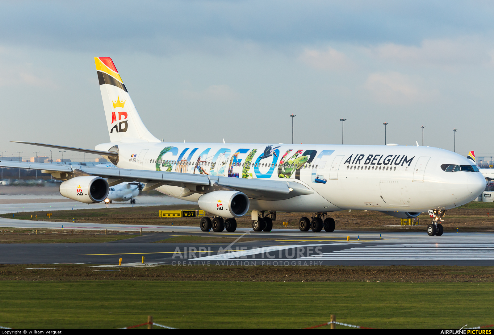 Air Belgium OO-ABB aircraft at Paris - Orly