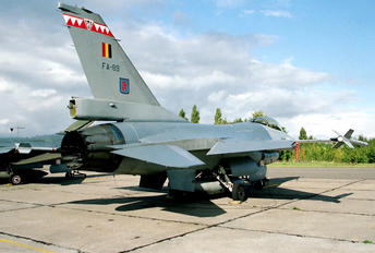 FA-89 - Belgium - Air Force General Dynamics F-16A Fighting Falcon