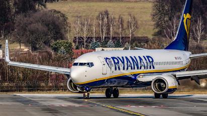 EI-DLV - Ryanair Boeing 737-800