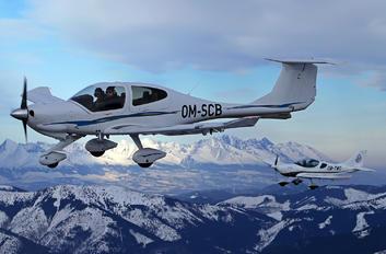 OM-SCB - Flying Service School Banska Bystrica Diamond DA 40 Diamond Star
