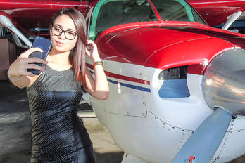 - Aviation Glamour - - Aviation Glamour - Model MGGT