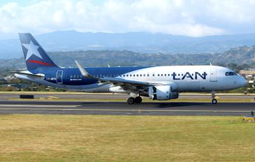 CC-BFS - LAN Airlines Airbus A320