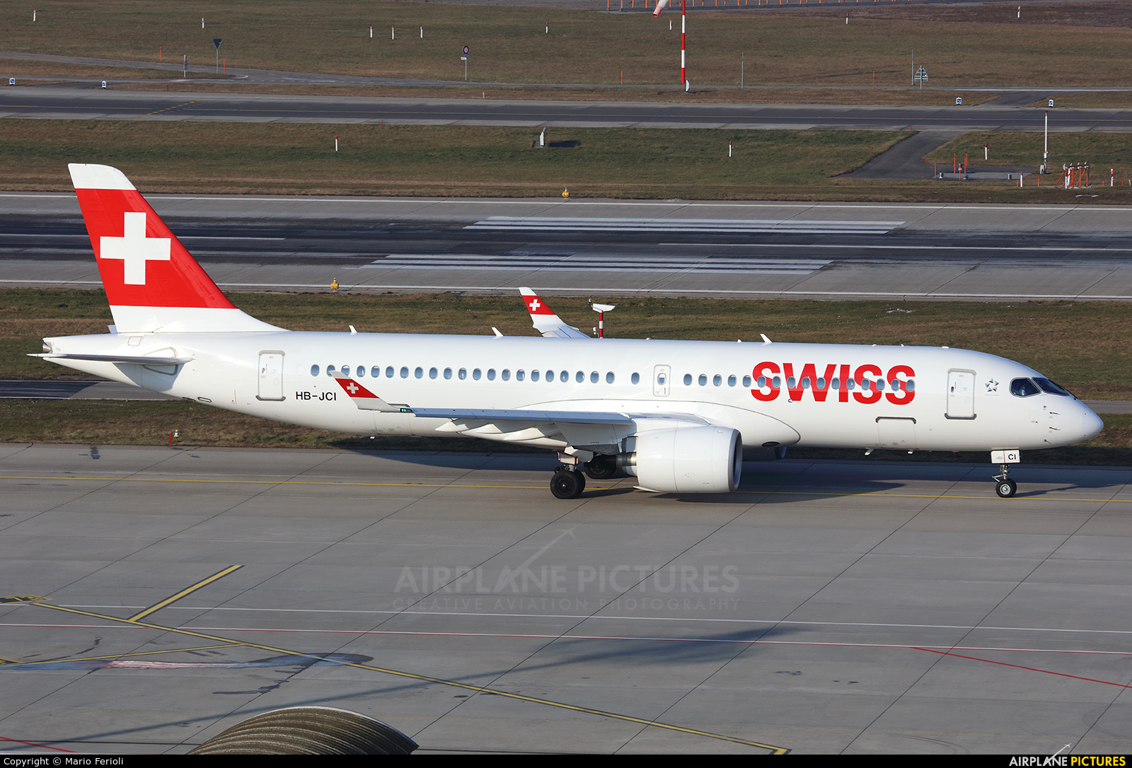 Swiss HB-JCI aircraft at Zurich