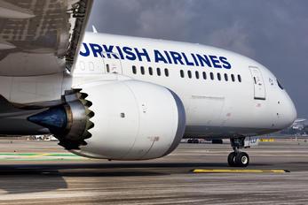 TC-LLF - Turkish Airlines Boeing 787-9 Dreamliner