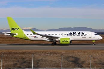 YL-CSG - Air Baltic Bombardier CS300