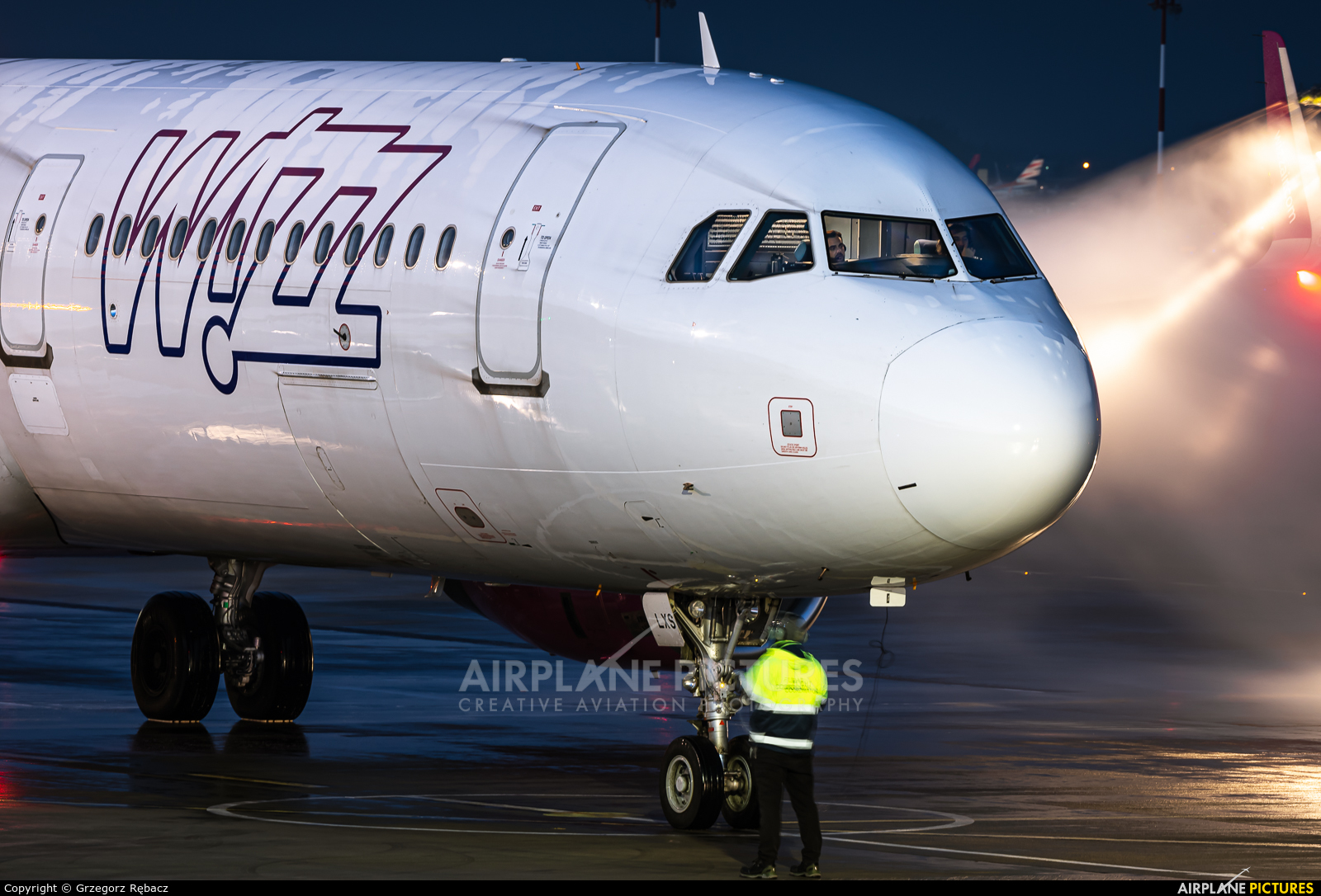 Wizz Air HA-LXS aircraft at Katowice - Pyrzowice