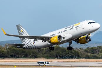 EC-MAH - Vueling Airlines Airbus A320