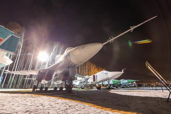 10 - Sukhoi Design Bureau Sukhoi T-10