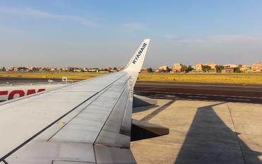 EI-EMA - Ryanair Boeing 737-800