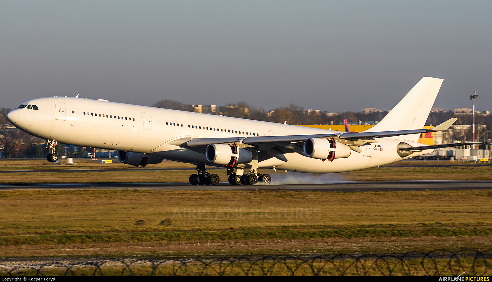 Air Belgium OO-ABE aircraft at Warsaw - Frederic Chopin