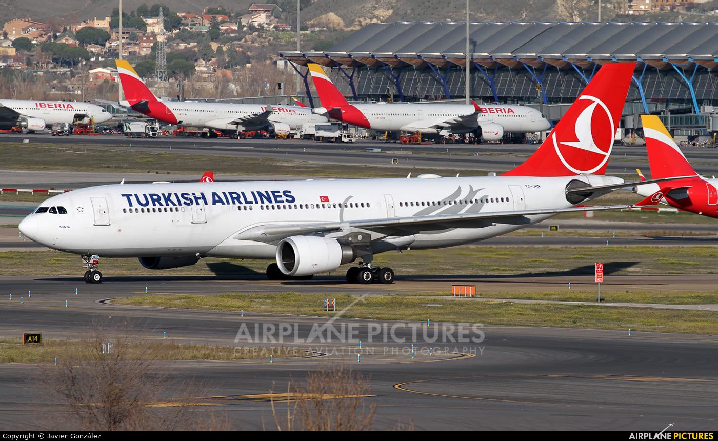 Turkish Airlines TC-JNB aircraft at Madrid - Barajas
