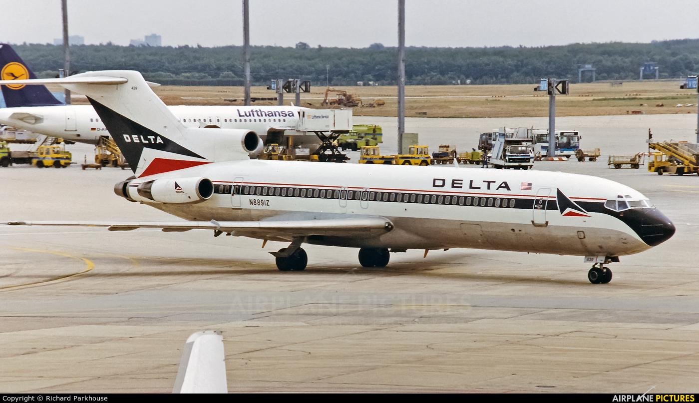 Delta Air Lines N8891Z aircraft at Frankfurt