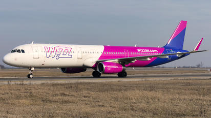 HA-LXI - Wizz Air Airbus A321