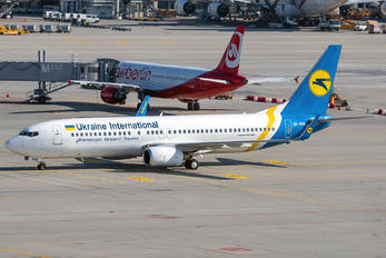 UR-PSN - Ukraine International Airlines Boeing 737-800