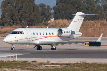 M-HEAD - Private Bombardier Challenger 650