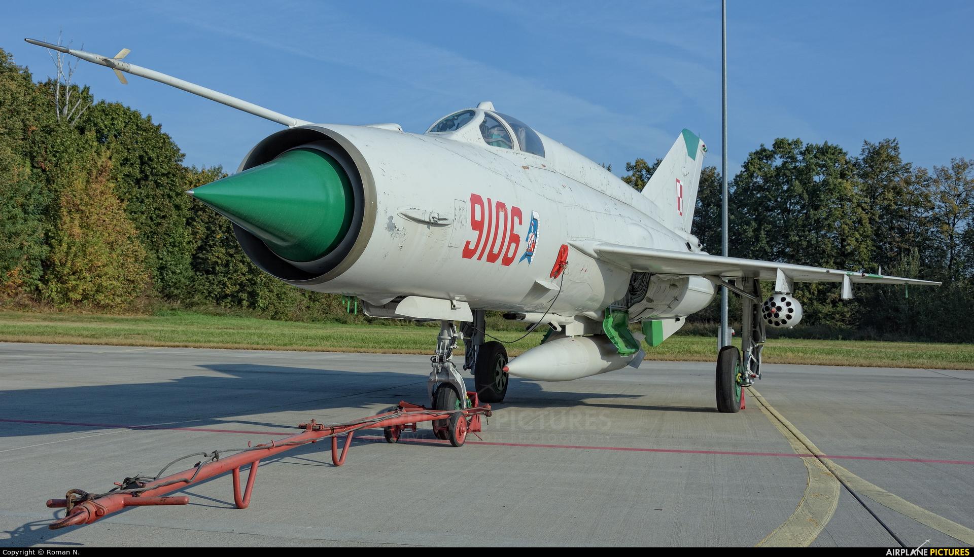 Poland - Air Force 9106 aircraft at Malbork