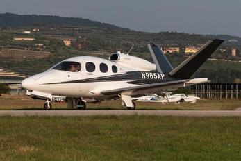 N965AP - Private Cirrus Vision SF50