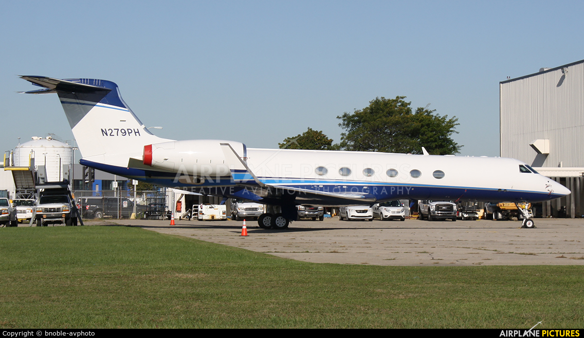 Private N279PH aircraft at Detroit - Metropolitan Wayne County
