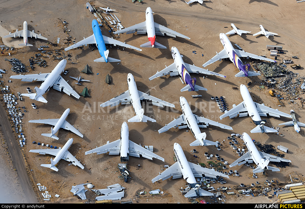 - Airport Overview - aircraft at Mojave