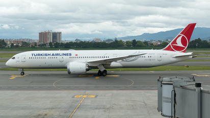 TC-LLA - Turkish Airlines Boeing 787-9 Dreamliner