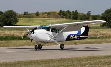 EC-HID - Private Cessna 172 Skyhawk (all models except RG)