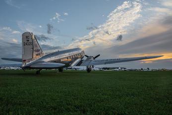 NC24230 - Private Douglas DC-3