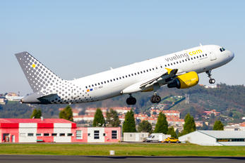 EC-MBK - Vueling Airlines Airbus A320