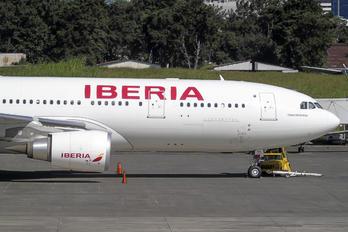 EC-MUD - Iberia Airbus A330-200