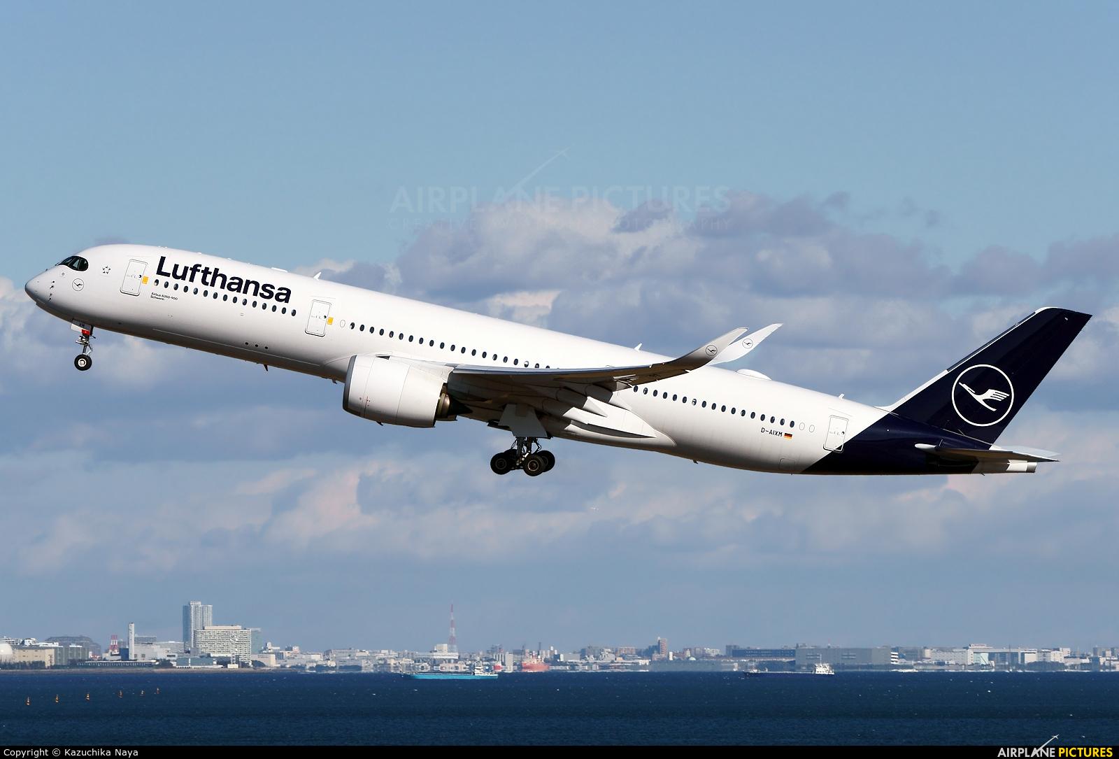 Lufthansa D-AIXM aircraft at Tokyo - Haneda Intl