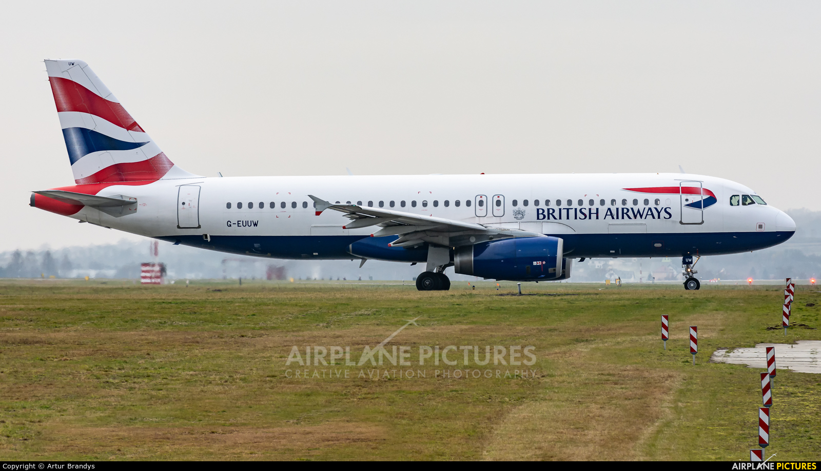 British Airways G-EUUW aircraft at Kraków - John Paul II Intl
