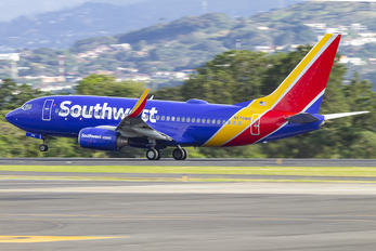 N570WN - Southwest Airlines Boeing 737-700
