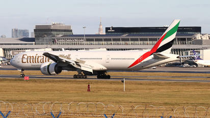 A6-EPG - Emirates Airlines Boeing 777-300ER