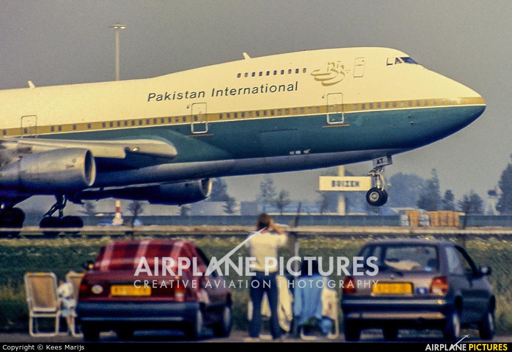 PIA - Pakistan International Airlines AP-BAT aircraft at Amsterdam - Schiphol