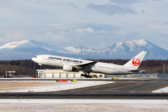 JA010D - JAL - Japan Airlines Boeing 777-200