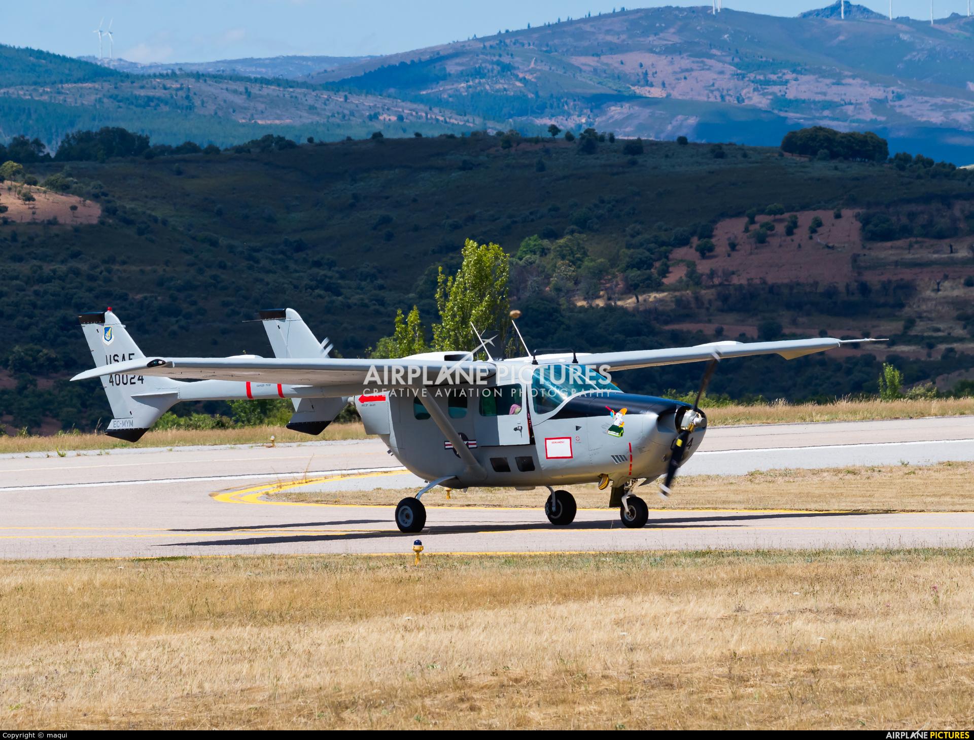 Private EC-MYM aircraft at Bragança