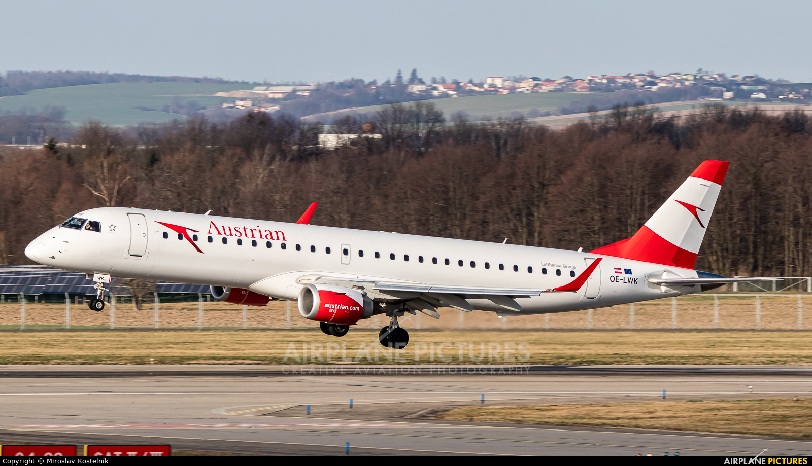 Austrian Airlines/Arrows/Tyrolean OE-LWK aircraft at Ostrava Mošnov