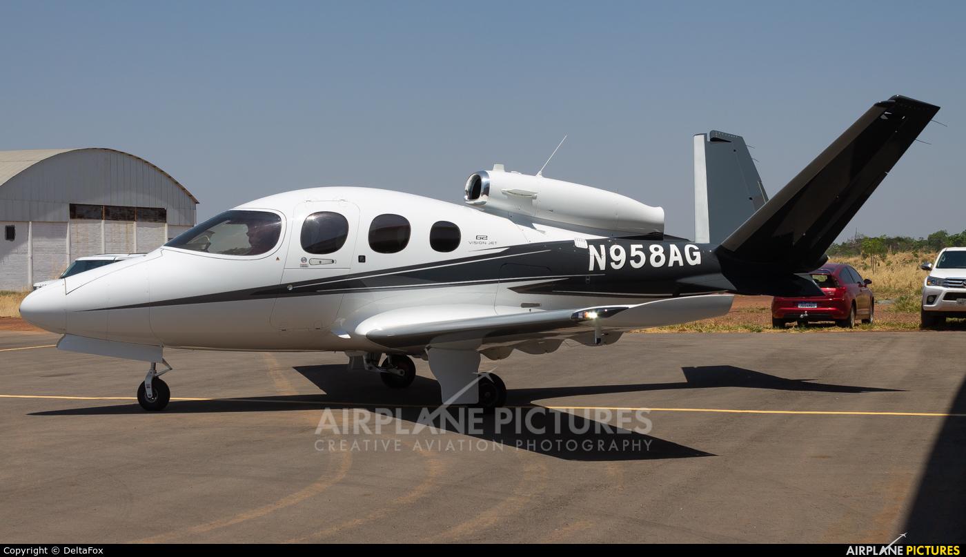 Private N958AG aircraft at Botelho