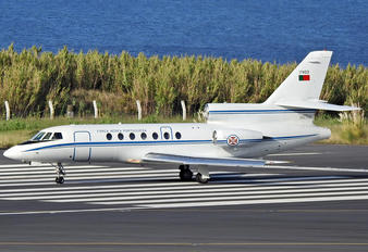 17403 - Portugal - Air Force Dassault Falcon 50