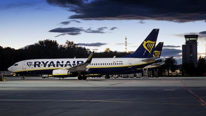 SP-RSR - Ryanair Sun Boeing 737-8AS