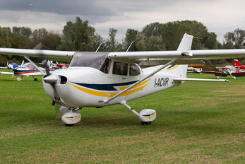 I-ACVR - Private Cessna 172 Skyhawk (all models except RG)