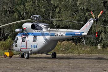 SN-32XP - Poland - Police PZL W-3 Sokół