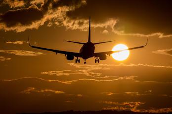SP-RKR - Ryanair Sun Boeing 737-8AS
