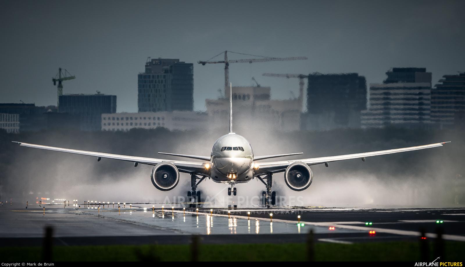 Qatar Airways A7-BEN aircraft at Amsterdam - Schiphol