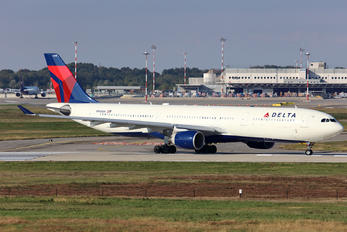 N816NW - Delta Air Lines Airbus A330-300