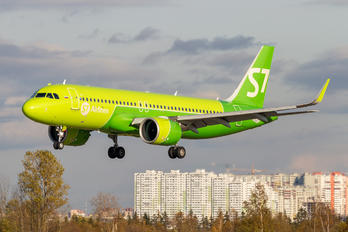 VQ-BGT - S7 Airlines Airbus A320 NEO
